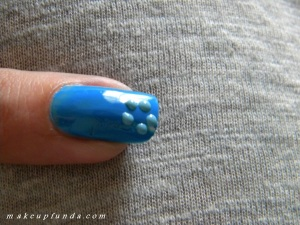 Nail Art Blue Bouquet