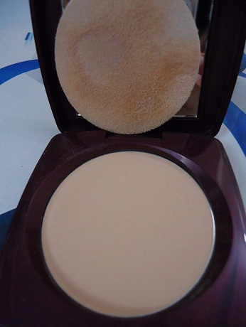 Lakme Radiance Compact Natural Marble